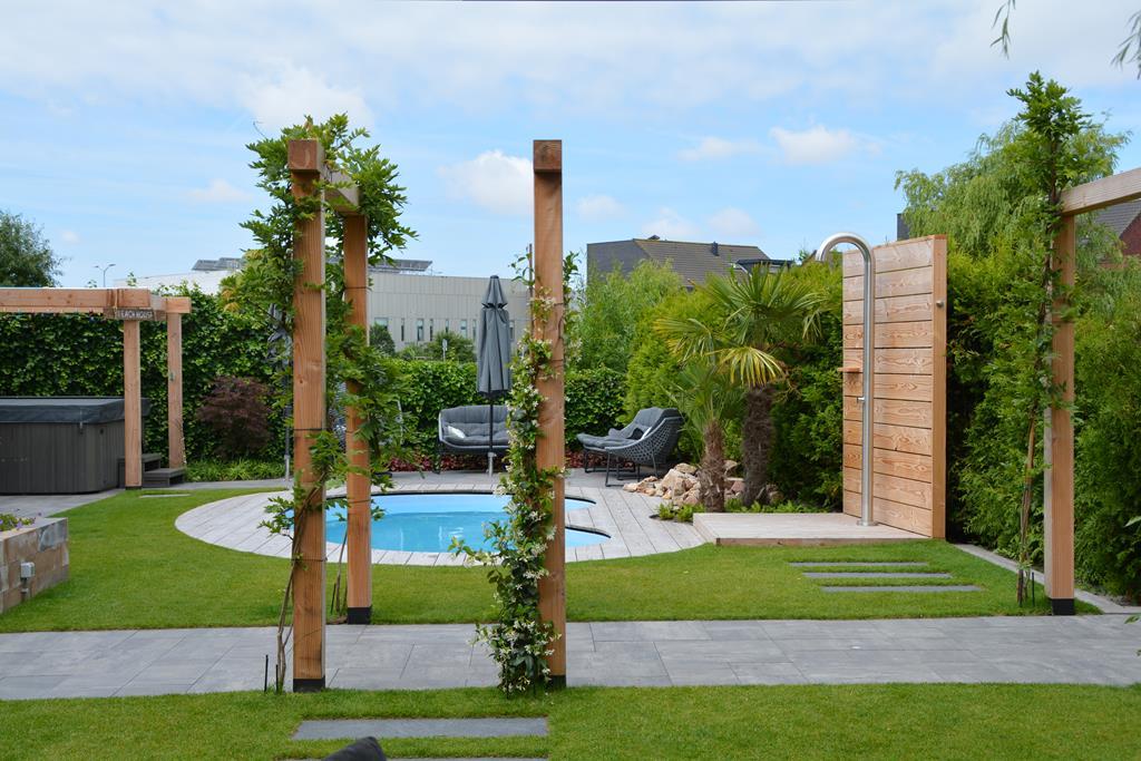foto van Zwembad tuin in Hoofddorp